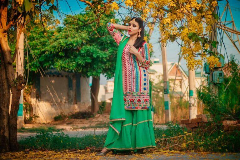 A girl posing wearing Salwar Kameez
