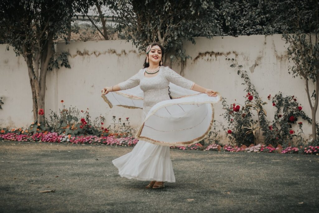 A girl flaunting her stylish Salwar Kameez