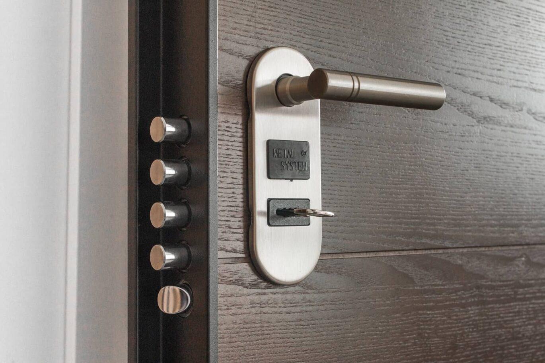 Multi level lock on a house's door