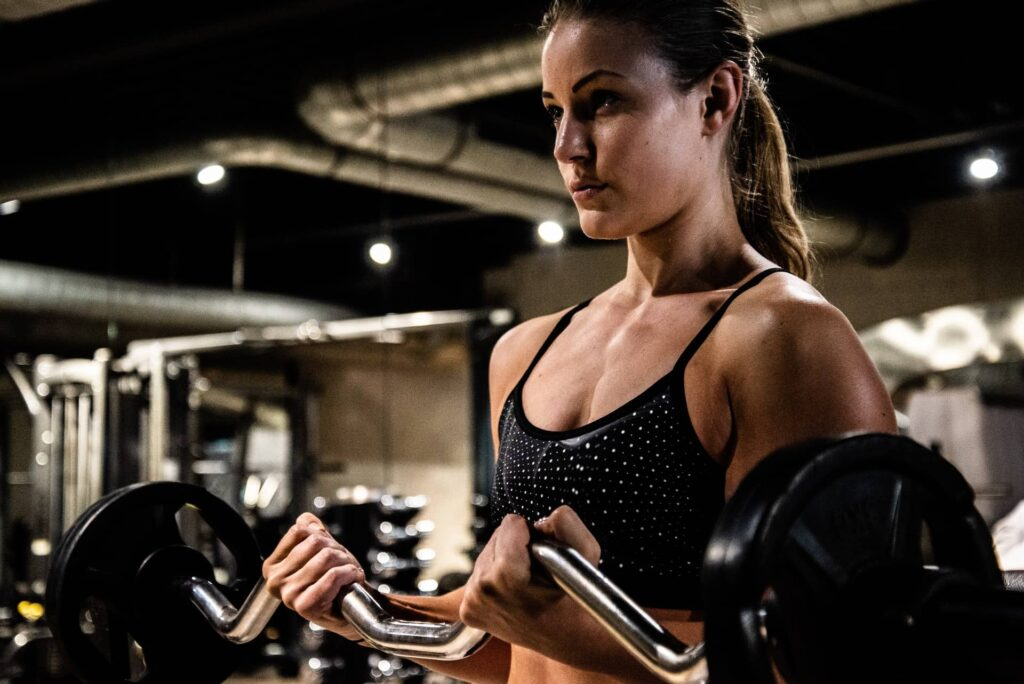 Model Selina Selke doing exercise at a gym